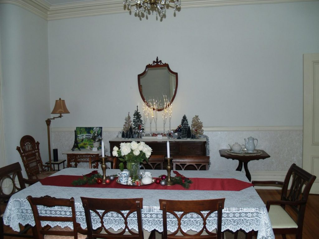 McMullen Dining Room at Christmas