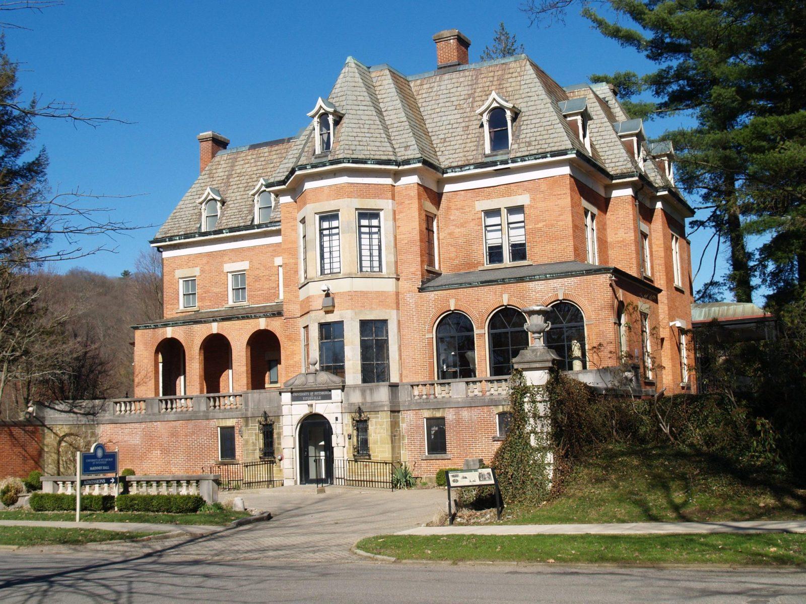 Picture of McKinney Hall in Titusville, Pennsylvania